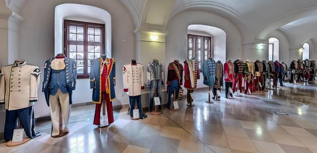 Egyenruha történeti kiállítás